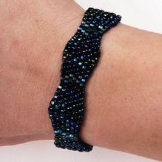 Free tutorial Triangle Waves Peyote Stitch Bracelet