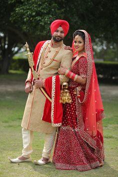 Couple Wedding Dress, Punjabi Wedding Couple, Wedding Couple Photos, Indian Wedding Couple Photography, Bride Photography, Indian Wedding Poses, Wedding Stills, Bridal Photoshoot, Kapal Photo
