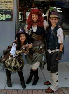 Twisted Oliver Cosplay.  This was a group cosplay of original steampunk characters.  Wee won 2nd place in the costume contest at Parakeet Pete's Steampunk Balloon.  All costumes were designed and handmade by Debbie Oliver.