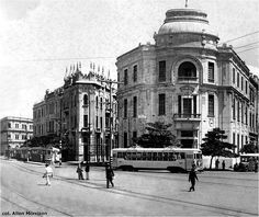 Demolição de parte do antigo bairro na década de 1910   N o âmbito da primeira grande reforma do Porto do Recife, que teve seu início em 1...