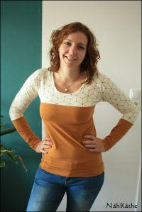 Quick & Simply Shirt von Sandy's Nähkästchen creme-schwarzer Jersey von Alles für Selbermacher