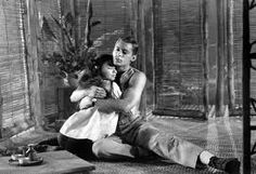 John Kerr and France Nuyen in South Pacific. South Pacific Movie, France Nuyen, Movie Stars, Movie Tv, John Kerr, Women Romance, Mitzi Gaynor, Movie Kisses, Handsome Celebrities