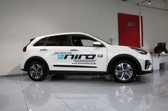 Der neue Kia e-Niro, rein elektrisch betrieben, vorgestellt im Kia Autohaus vom Autozentrum P&A Düsseldorf.  Kia e-Niro mit 64-kWh-Batterie (Stand 12/2018): Stromverbrauch kombiniert 15,9 kWh/100 km; CO₂-Emission kombiniert 0 g/km. Co2 Emission, Vehicles, Car, Autos, Electricity Usage, Automobile, Cars, Vehicle, Tools