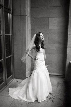 Wedding Dress, Monique Lhuillier, Photo: Ira Lippke Studios - New York Wedding http://caratsandcake.com/abbyandmatt