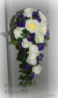 Kukkahuone Augusta :: photogallery Floral Wreath, Wreaths, Home Decor, Floral Crown, Decoration Home, Door Wreaths, Room Decor, Deco Mesh Wreaths, Home Interior Design