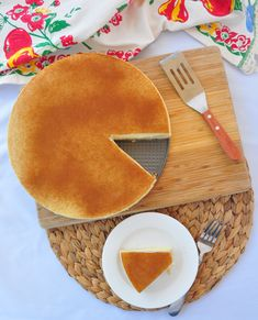 I have slowly been trying my hand at South African desserts and finally got around to the milk tart, or melktert in Afrikaans. South African Desserts, South African Recipes, Melktert, Cold Desserts, Food Journal, Afrikaans, Clean Recipes, Tart, Milk