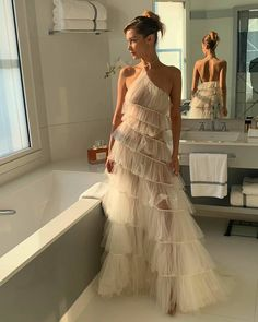 Sheer Ruffles :: Dior Bella Hadid walked the annual Cannes Film Festival red carpet in a sublime white ruffled dress by haute couture Dior. Style Outfits, Mode Outfits, Fashion Outfits, Fashion Hacks, Fashion Tips, Look Fashion, High Fashion, Fashion Design, Classy Fashion