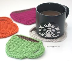 Starbucks Core Coffee Series and Crochet Coffee Coasters - Repeat Crafter Me. Coffee and yarn, a match made in heaven! Crochet these coffee coasters with Vanna's Choice in 4 of your favorite colors. Pattern calls for a size H crochet hook. Crochet Diy, Quick Crochet, Crochet Home, Learn To Crochet, Crochet Gifts, Thread Crochet, Double Crochet, Single Crochet, Repeat Crafter Me