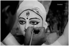 Emergence of Ma Durga PC-Soumya RoyChoudhury This is taken when the final touch was being given to the #Idol. #india #festival #celebration #navrati