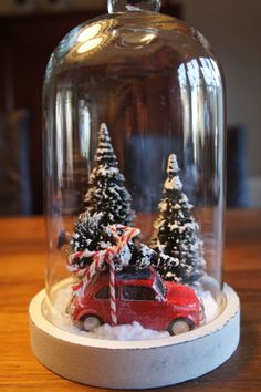 30 Eye - Catching DIY Christmas Decorations and Crafts * remajacantik Make your home warm and happy and it's time to do last Christmas decorations and fell holiday spirit. As the music stations start switching -CatchingChristmasCraftsIdeas christmasjars Christmas Candy Cane Decorations, Christmas Decor Diy Cheap, Christmas Lanterns, Christmas Jars, Christmas Centerpieces, Rustic Christmas, Simple Christmas, Christmas Home, Christmas Holidays