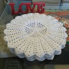 Crochet doily Step by step Tut Crochet Round, Love Crochet, Crochet Gifts, Crochet Baby, Knit Crochet, Crochet Chart, Crochet Motif, Crochet Designs, Crochet Doilies