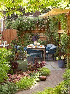 Small Courtyard Gardens, Small Courtyards, Outdoor Gardens, Small Patio Gardens, Courtyard Ideas, Backyard Garden Design, Small Garden Design, Backyard Patio, Rectangle Garden Design