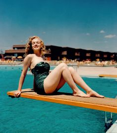 Marilyn Monore photographed by Arthur Felling, Palm Springs, CA, 1949.