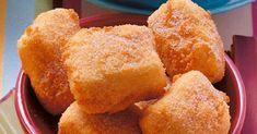 Pudding im Teigmantel: Vor allem in Spanien genießt man diese knusprigen Würfel, die innen schön weich und cremig sind. Damit die Masse zusammenhä ...