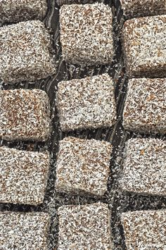 Vegan Lamingtons: Sponge Cake Cubes dipped in Chocolate and grated Coconut Greek Sweets, Greek Desserts, Greek Recipes, Desert Recipes, Vegan Sweets, Vegan Desserts, Vegan Recipes, Cooking Recipes, Meals Without Meat