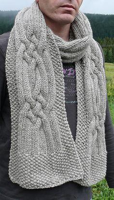 Une écharpe assez facile à tricoter , un modèle mixte selon le fil utilisé.