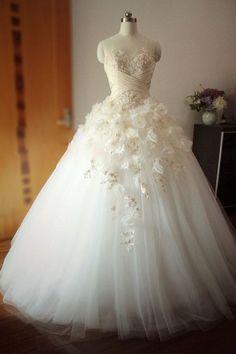 Vintage Wedding Dresses Tumblr   flower ball gown wedding dress   Tumblr