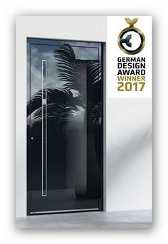 Haustür  Pirnar German Design Award Gewinner Pirnar Ultimum Pure ist die weltweit erste Eingangstür mit automatischer Griffstange. Den Besitzer erkennt sie über einen Fingerscanner oder ein anderes System. Die beleuchtete Griffstange wird vollautomatisch aus der ebenen Türfläche ausgefahren, und die Tür öffnet sich. Sobald sich die Tür schließt, wird die Griffstange wieder eingefahren. Erhältlich auf Anfrage bei www.1001-tuer.de