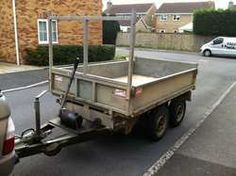 Plant trailer for moving machinery around