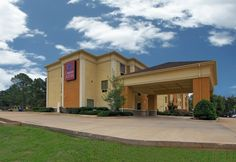#RoomAuction Hotel: Comfort Suites Hotel 6715 Financial Plaza Circle, 71129, Shreveport, USA -Stay rested during your Louisiana travels at the 100 percent smoke-free Comfort Suites® hotel in Shreveport, minutes from the Eldorado Casino Shreveport, Horseshoe Bossier City, Sam's Town Shreveport, and Harrah's Louisiana Downs & Racetrack.