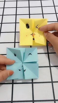 Handmade origami issuedly turn hostile doll video Back to School Crafts Paper Flowers Craft, Paper Crafts Origami, Easy Paper Crafts, Diy Origami, Origami Flowers, Diy Arts And Crafts, Diy Paper, Oragami, Doll Videos