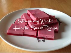a slimming world sweet recipe to help curb those sweet tooth cravings. slimming world hairdo jelly sweet recipe Slimming World Haribo, Easy Slimming World Recipes, Slimming World Diet, Sweets Recipes, Brownie Recipes, Healthy Desserts, Drink Recipes, Jello Recipes, Recipies