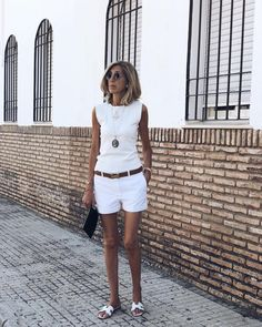 "Polubienia: 21.8 tys., komentarze: 377 – SUSI REJANO (@susirejano) na Instagramie: ""Así acabé la semana en @brillantbcn #ootd"" Vacation Wear, Vacation Style, Mode Femmes Chics, Parisian Summer, 50 Fashion, White Fashion, Daily Fashion, Spring Summer Fashion, Fashion Outfits"