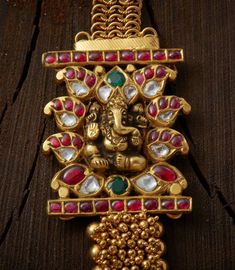 Exquisite craftsmanship offered by Creations Jewellery with every piece that we deliver Antique Jewellery Designs, Gold Earrings Designs, Gold Mangalsutra Designs, Pearl Necklace Designs, Antique Jewelry, Jewelry Design, Antique Gold, Silver Jewellery Indian, Indian Wedding Jewelry