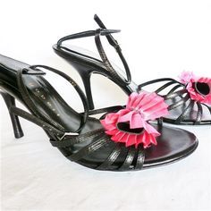 """Pre-Loved 'As New' Robert Robert Shoes - PL394 - 35.00 AUD - As New 'Robert Robert' black & pink shoes.  3½"""" heel. - Easy Paypal on checkout! Fast Postage,  Australia Wide. - 3 - 5 business days (Australia)"""
