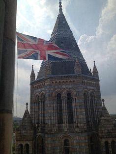 Twitter / naomi_jw: The flag at full mast to ...