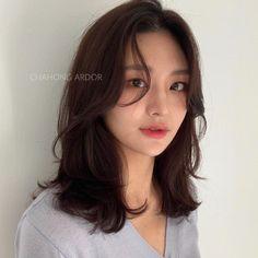 Korean Long Hair, Korean Hair Color, Korean Hair Medium, Korean Medium Hairstyles, Asian Hair Medium Length, Korean Short Hairstyle, Korean Haircut Long, Short Hair Korean Style, Asian Hairstyles Women