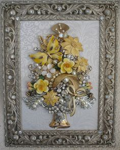 FRAMED VINTAGE JEWELRY ART CHRISTMAS TREE ~ GOLD BUTTERFLY BOUQUET