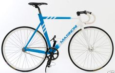 The opening of the new adidas Originals flagship store in August 2007 gave birth to this one-of-the-kind fixed gear road bike from Quebec-based Marinoni. Cycling News, Road Cycling, Road Bike, Fixed Gear Bicycle, Bicycle Accessories, Adidas Originals, Gears, Auction, Humor