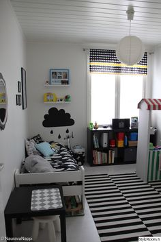 ikea,stockholm rand,marimekko,räsymatto,tauluhyllyt,ribba,peili,pilvet,lastenhuone Bold Curtains, Curtains Living, Baby Room Decor, Nursery Decor, Ikea Stockholm, Cool Furniture, Kids Room, Marimekko, Living Room