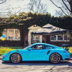 A stunning capture of PTS Miami Blue 991 RS by at the recent Caffeine & Carburetors in New Canaan, CT. DM if you own or expect to take delivery of a PTS Miami Blue RS! My Dream Car, Dream Cars, Porsche 991 Gt3, Cayman Gt4, Gt3 Rs, Car Magazine, Porsche Design, Car Car, Sport Cars