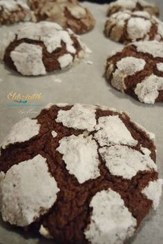 Crunchy outside, soft inside: chocolate pöffeteg Hungarian Cake, Hungarian Recipes, Eat Pray Love, Healthy Cookies, Cake Cookies, Nutella, Cookie Recipes, Food And Drink, Sweets