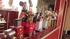 Un calendrier de l'avent festif en petit train du père Noël...