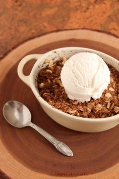 vegan apple crisp for one! #vegan #dessert #recipe