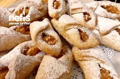 Margarinsiz Kek Gibi Yumuşacık Elmalı Kurabiye – Kurabiye – Las recetas más prácticas y fáciles Cookie Recipes, Snack Recipes, Dessert Recipes, Snacks, Beignets, Apple Cookies, Apple Cake, Cake Cookies, Vegetable Drinks