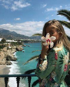 Imagen de girl, summer, and beach Foto Fashion, Travel Fashion, 90s Fashion, Summer Photos, Tumblr Summer Pictures, Summer Of Love, Belle Photo, Summer Vibes, Summertime