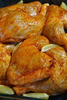 CUISSES DE POULET AU CITRON ET AU PAPRIKA Une très bonne association de saveurs pour ces cuisses de poulet au citron et au paprika ---->http://lesdelicesdesandstyle.com/2016/04/cuisses-de-poulet-au-citron-et-au-paprika.html