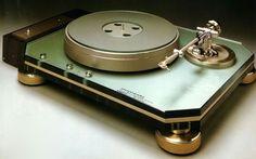 Vintage Marantz T1000 turntable