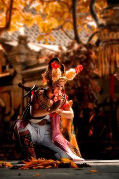Barong Dance by Saravut Eksuwan on 500px