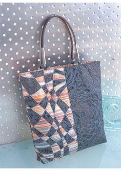Découvrez la technique du Meshwork et suivez les pas à pas pour réaliser 40 modèles de sacs, trousses, pochettes...