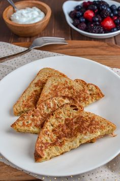 French Toast - Slimming World Recipes - Slimming Eats Slimming World Desserts, Slimming World Breakfast, Slimming Eats, Slimming World Recipes, Milk Ingredients, Speed Foods, Quick And Easy Breakfast, Easy Bread, Breakfast Recipes