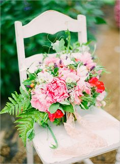 pink wedding bouquet http://www.weddingchicks.com/2013/10/18/heirloom-wedding-ideas/