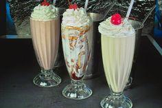 old fashioned milkshake sadiaislam Milk Shakes, Good Food, Yummy Food, Frappe, Junk Food, Smoothies, Nom Nom, Sweet Tooth, Food And Drink