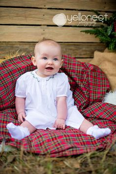love  the plaid background