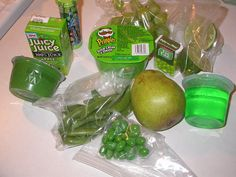 I love the idea of doing an all green lunch for my boys on St. Patrick's Day.