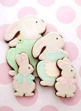 Cute bunny family cookies!  Made by Nadine Ingram of Cookie Couture au.